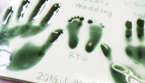 メモリアル陶板~手形足形粘土直押さえ陶板